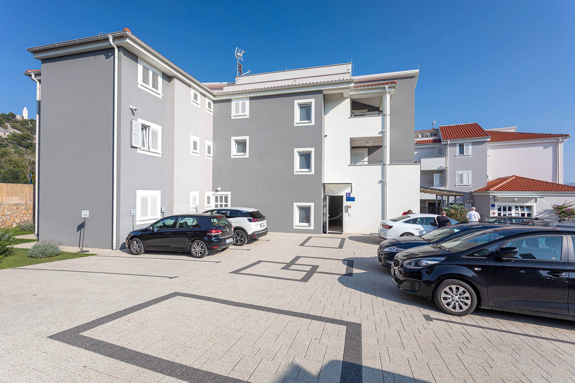 Apartments Crnekovic Baska - Kralja Tomislava 8b